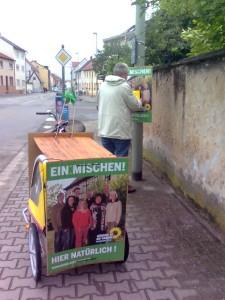 GIM Grünes-Info-Mobil auf letzte Tour durch Mutterstadt am Tag vor der Wahl 2009